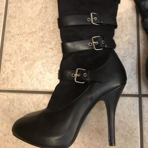 Black long boots with stripes and buckles size 9
